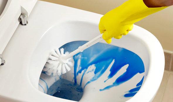 cleaning-bathroom2
